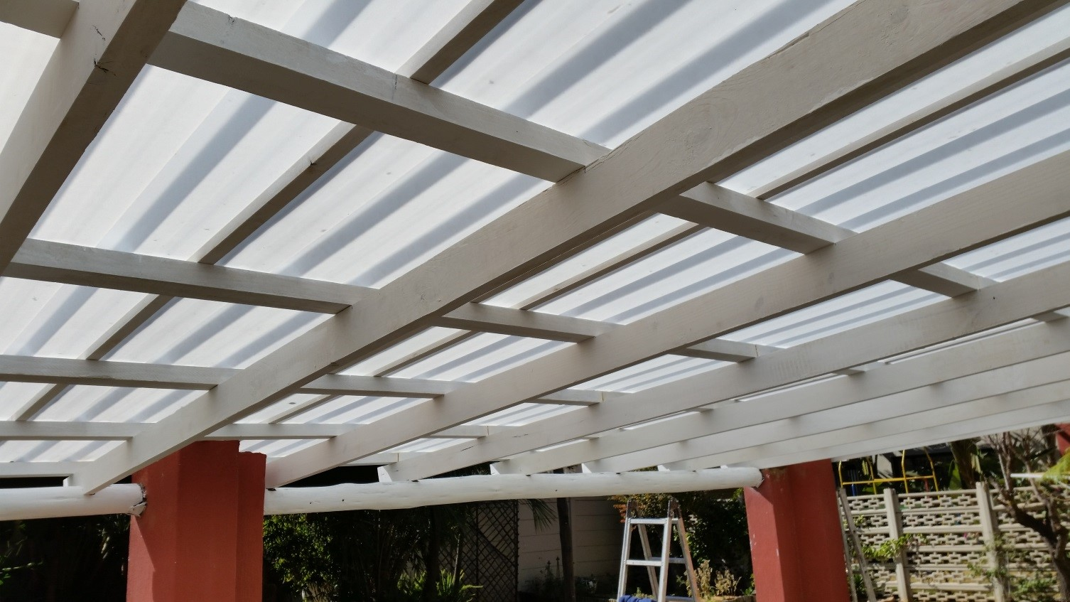 White IBR polycarbonate sheeting used for a Patio